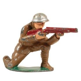 c.1939 Manoil, No. 25 Sniper (Kneeling) with Short Thin Rifle